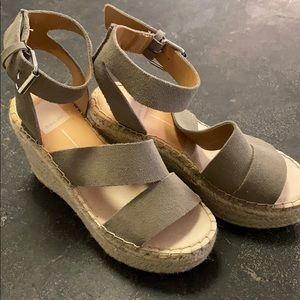 Never been worn, 4 inch Dolce vita wedges, taupe